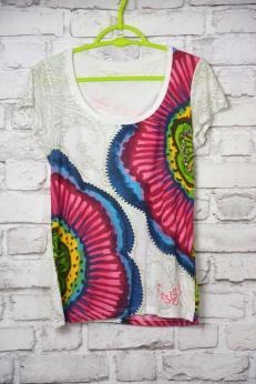 Kolorowy tshirt Desigual