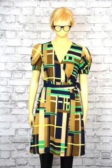 W labiryncie złudzeń-sukienka we wzory