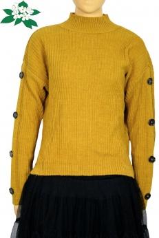 Musztardowy sweter ze stójką i ozdobnymi guzikami na rękawach oversize
